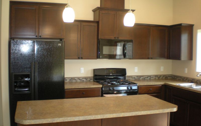 1405,Kitchen,HD-Laminate,Vinyl,Black-Appliances,Vaulted-Ceilings