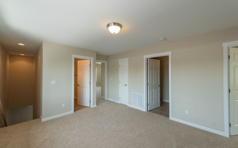 2222,Bonus-Room,Loft,White-Trim