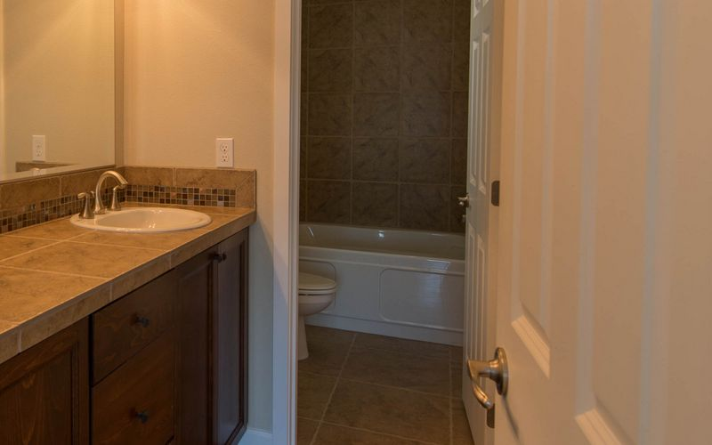 2222,Bathroom,Master-Bathroom,Tile