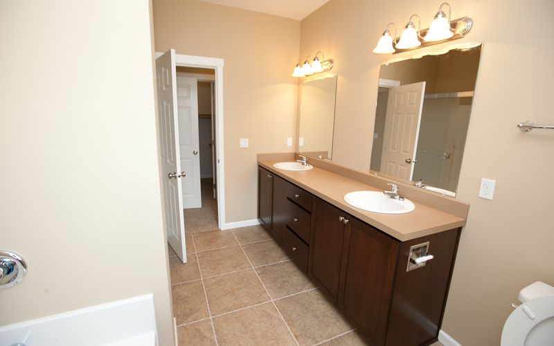 2659,Bathroom,Livingstone,Tile